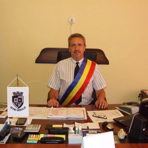 dl Primar Claudiu Predescu
